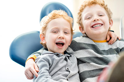 At our family dental practice Dr. Harder in Zurich district 4, we offer prophylaxis and treatments that are suitable for children, for good dental health right from the start